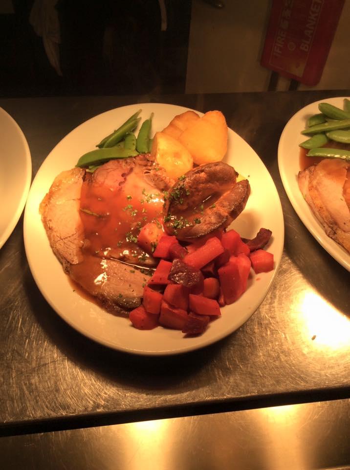best sunday roast Edinburgh - Cumberland Bar