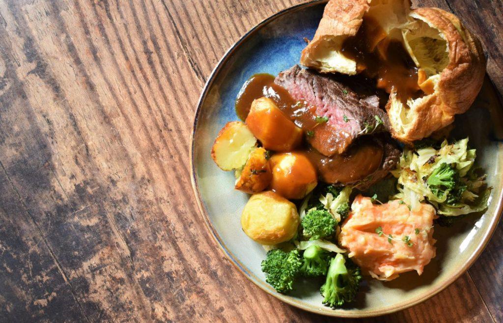 best roast dinner Edinburgh - The Queens Arms