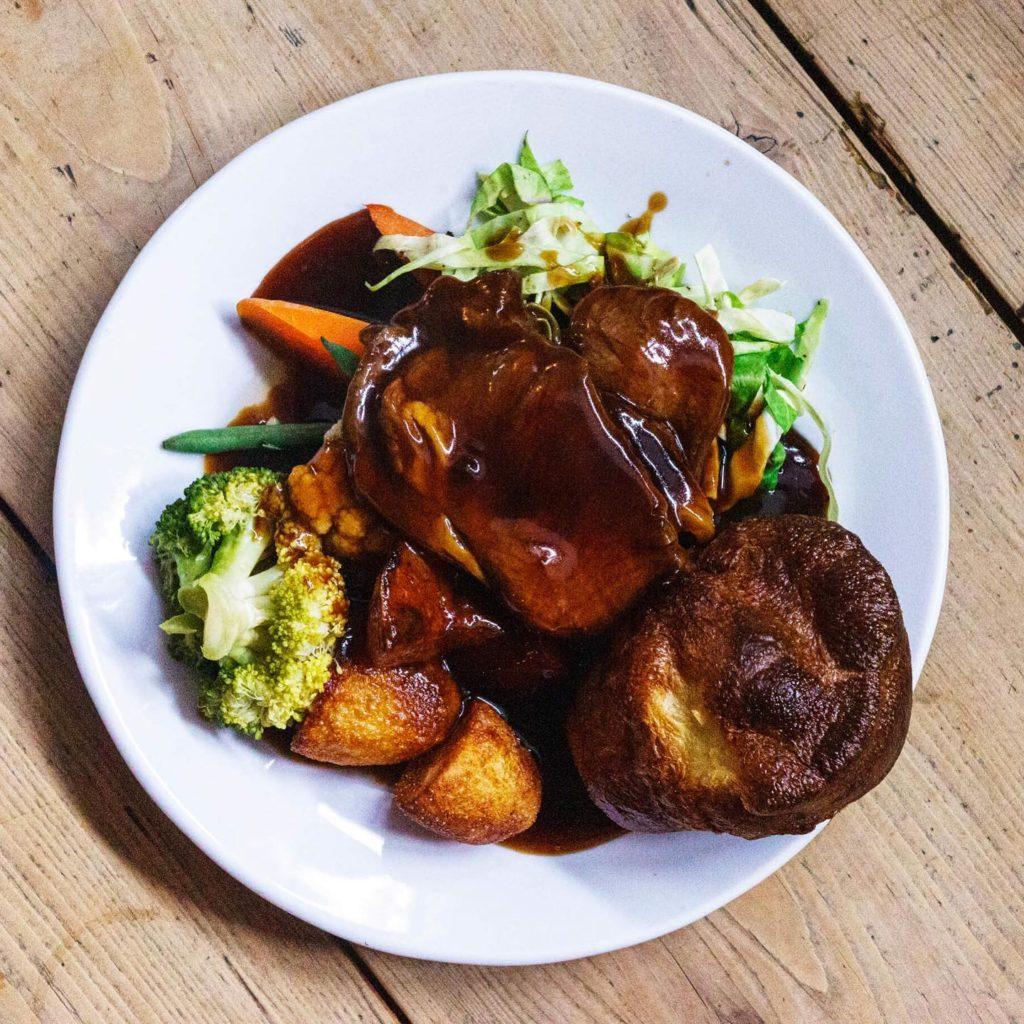 roast dinners liverpool - The Blackburne Pub
