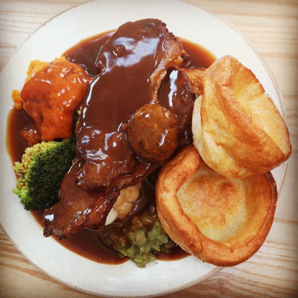 roast dinners liverpool - Cork & Fork