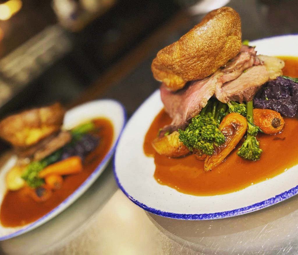 roast dinners liverpool smugglers cove