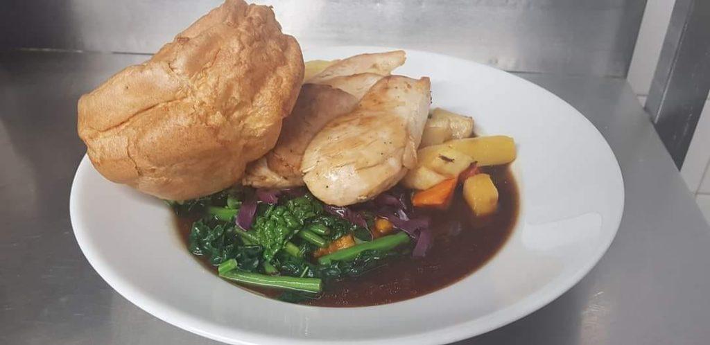 roast dinners Liverpool - The Saracens Head